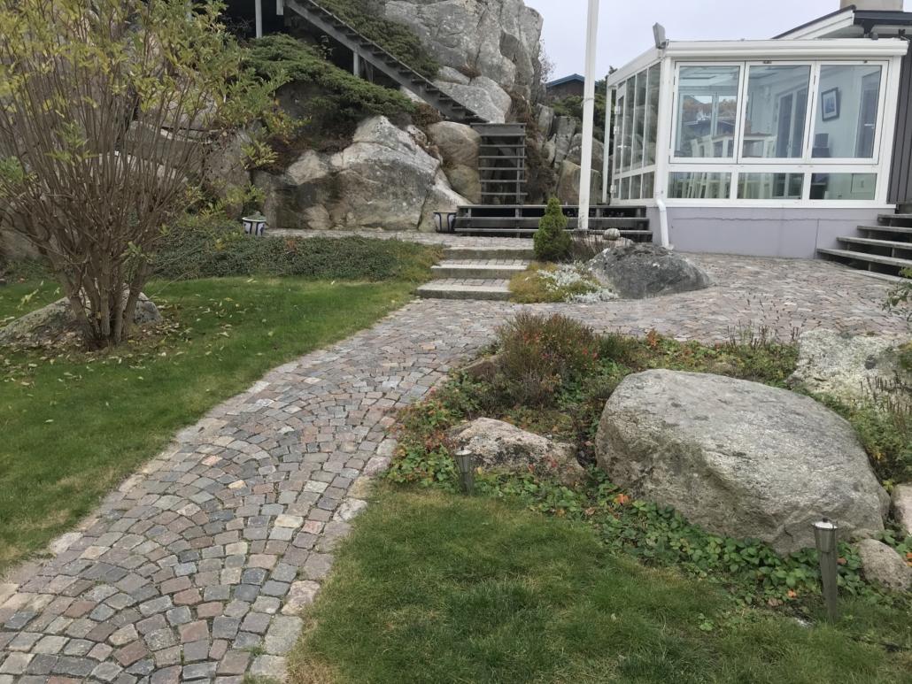 Marksten och natursten i Tanum och Strömstad, Falk´s trädgårdsmiljö